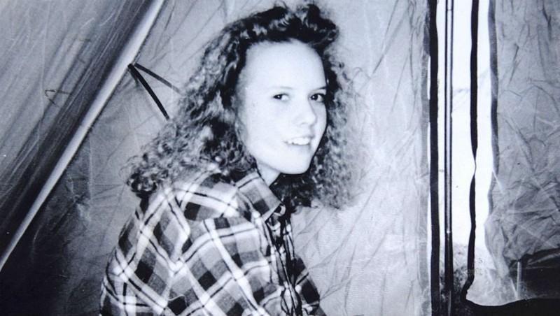 Mẩu da người tố cáo kẻ sát nhân thiếu nữ 16 tuổi