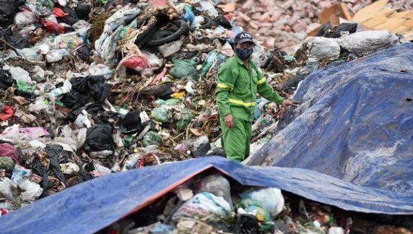 """Nam Sơn - Bao giờ """"câu chuyện"""" hết dài kỳ? (Bài 2) Đâu là giải pháp cho người dân sống gần bãi rác?"""