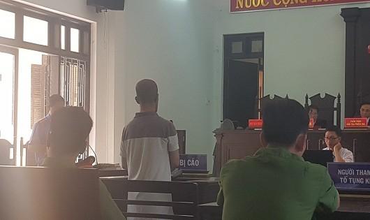 Giả danh Việt kiều lừa tiền người tu hành