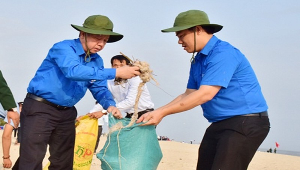 Thừa Thiên- Huế: Phát động Ngày chủ nhật xanh