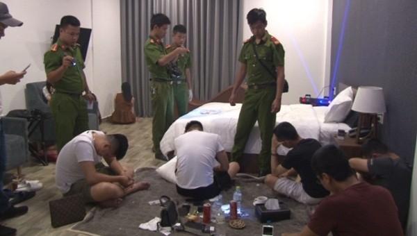 Đột kích khách sạn phát hiện hàng chục người dương tính với ma túy
