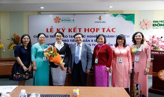 Ký kết hợp tác chương trình đào tạo thực nghiệp ngành Du lịch theo tiêu chuẩn 5 sao