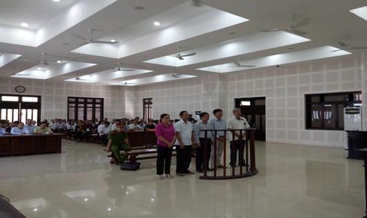 Đà Nẵng: Tuyên án các bị cáo trong vụ buôn lậu gỗ trắc kéo dài 7 năm