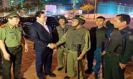 Chủ tịch TP.Đà Nẵng 'vi hành' tuần tra phòng chống tội phạm trong đêm
