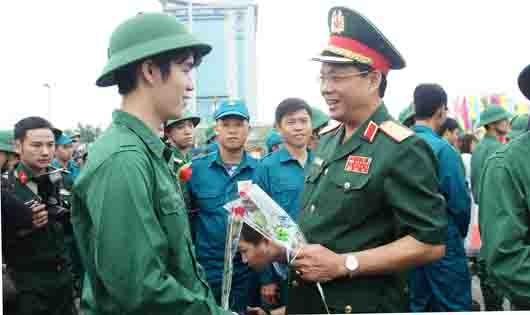Nô nức ngày hội tòng quân miền Trung