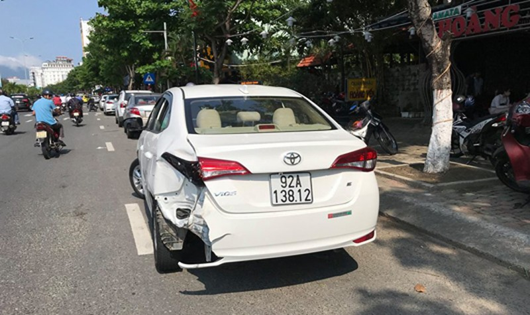 Phóng viên bị đánh khi quay clip hiện trường tai nạn giao thông