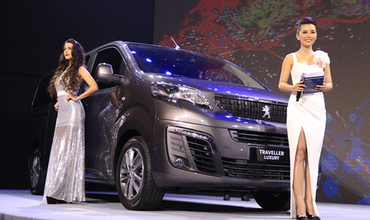 Thaco ra mắt mẫu xe đa dụng châu Âu Peugeot Traveller
