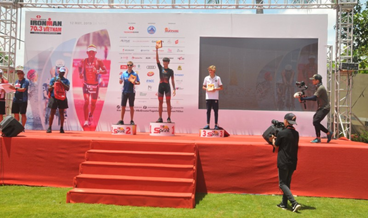 'Chiến binh thép' bước vào cuộc thi 'khắc nghiệt nhất hành tinh' tại Đà Nẵng