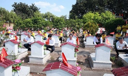 Số hóa 836.329  phần mộ liệt sĩ
