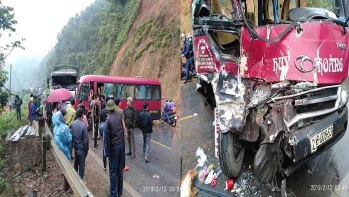 Xe khách tông xe tải, ít nhất 5 người bị thương