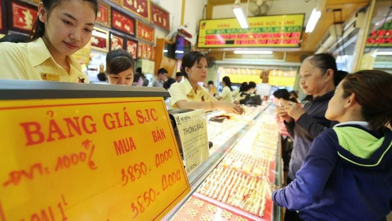 Những lưu ý khi khách hàng mua vàng ngày vía Thần tài  