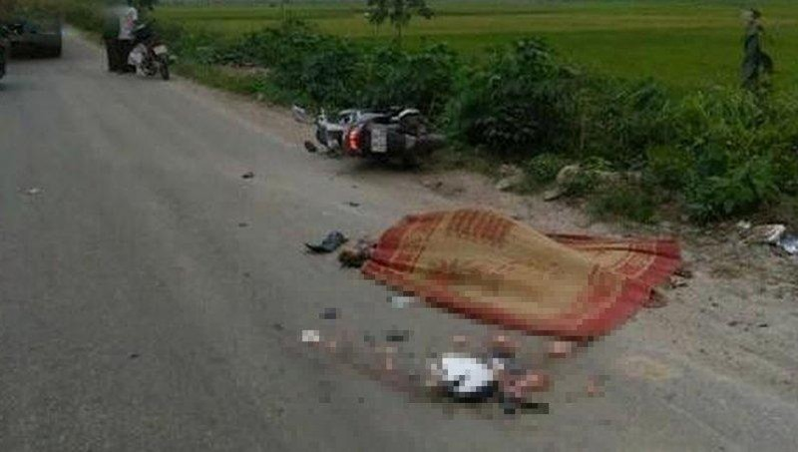 Mất lái ngã ra đường, người đàn ông bị xe container cán tử vong tại chỗ