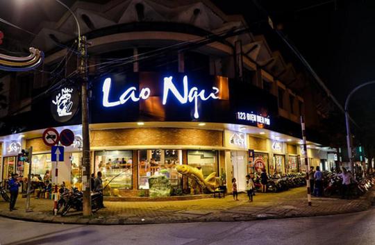 Câu cá trên thuyền gỗ và thưởng thức hải sản theo phong cách riêng tại Nhà hàng Lao Ngư