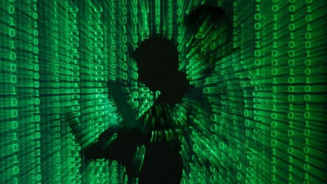 """Luật pháp """"bó tay"""" trong các vụ rò rỉ dữ liệu cá nhân trên mạng Internet"""