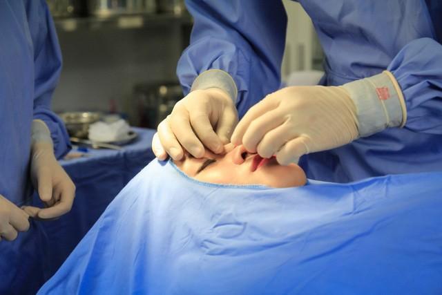 Thanh tra Sở Y tế Hà Nội xử phạt hàng loạt thẩm mỹ viện quảng cáo sai phép
