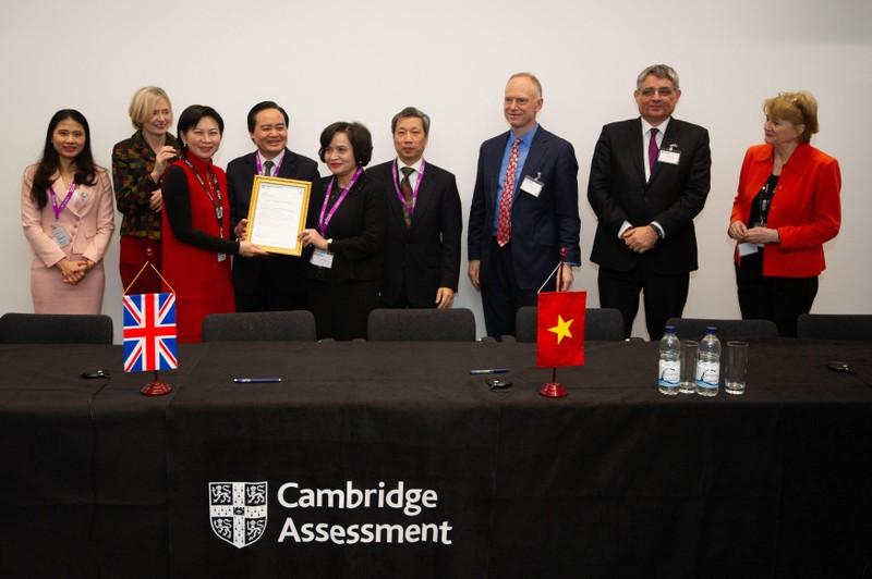 Trường Việt Úc Hà Nội  được công nhận là Trường đối tác của Hội đồng khảo thí tiếng Anh Cambridge