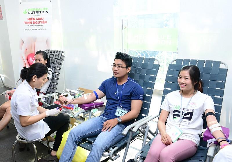 Thành viên độc lập và nhân viên Herbalife Việt Nam tham gia hiến máu tình nguyện