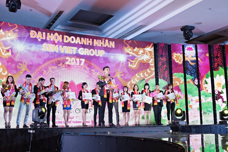 Sen Việt một chặng đường phát triển mới