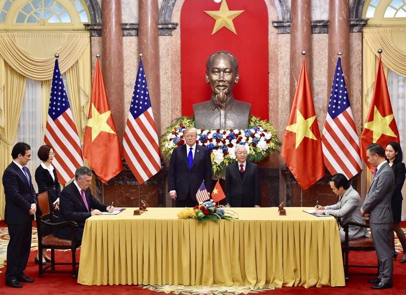 Tổng Bí thư, Chủ tịch nước Nguyễn Phú Trọng và Tổng thống Mỹ chứng kiến Bamboo Airways ký mua 10 máy bay Boeing 787-9 Dreamliner