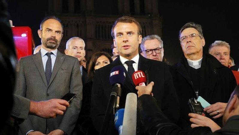 Tổng thống Pháp Emmanuel Macron khẳng định sẽ xây dựng lại Nhà thờ Đức Bà