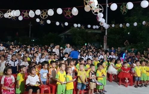 Đoàn Khối các cơ quan tỉnh Quảng Bình chăm lo Trung thu cho trẻ em