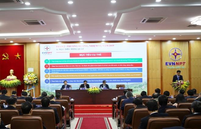Tổng công ty truyền tải điện quốc gia: Nhiều nhiệm vụ lớn phải hoàn thành trong năm 2019
