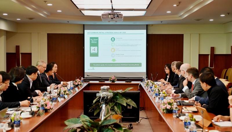 """Vietcombank khởi động dự án """"Chuyển đổi mô hình ngân hàng bán lẻ"""""""