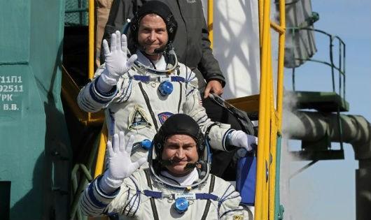 Tàu vũ trụ Nga gặp trục trặc khi cất cánh, phi hành gia hạ cánh khẩn an toàn