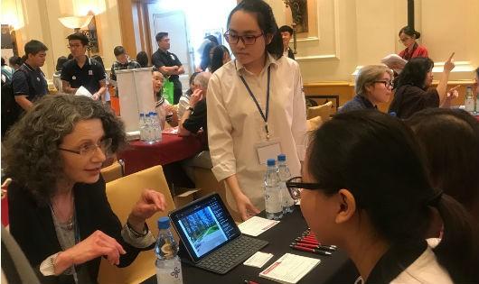 Phó Đại sứ Mỹ ca ngợi động lực học tập của du học sinh Việt