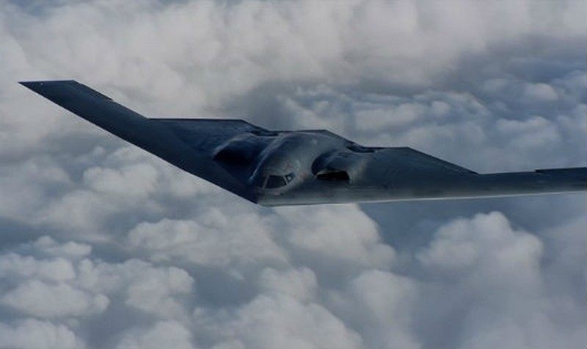 Siêu pháo đài bay tàng hình của Mỹ hạ cánh khẩn vì trục trặc