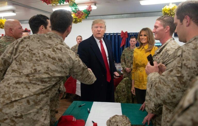 Ông Trump bất ngờ đêm hôm đến Iraq, tuyên bố chấm dứt vai trò 'cảnh sát' của thế giới