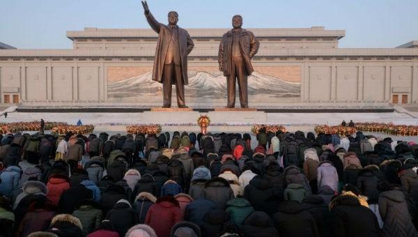 Bất chấp giá rét, người Triều Tiên xuống đường kỷ niệm ngày sinh cố lãnh đạo Kim Jong Il