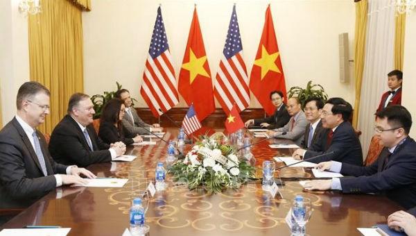 Phó Thủ tướng Phạm Bình Minh hội đàm với Ngoại trưởng Mỹ Michael Pompeo