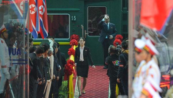 Em gái đích thân kiểm tra tại ga Đồng Đăng trước khi Chủ tịch Triều Tiên xuống tàu