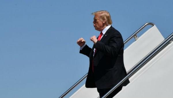 """""""Ngã ngửa"""" lý do ông Trump hủy bỏ lệnh trừng phạt liên quan tới Triều Tiên"""