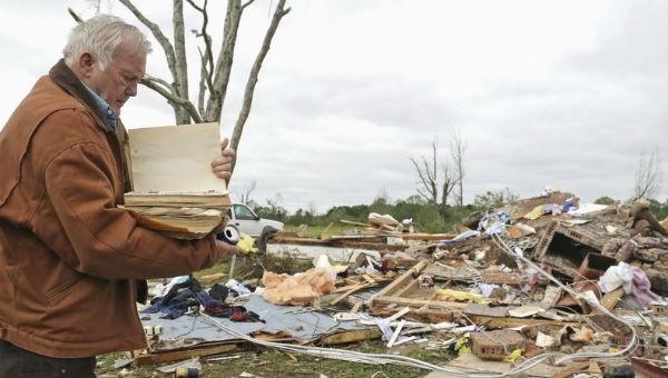 Bão lớn sang phẳng gần một thị trấn ở Mỹ, ít nhất 8 người thiệt mạng