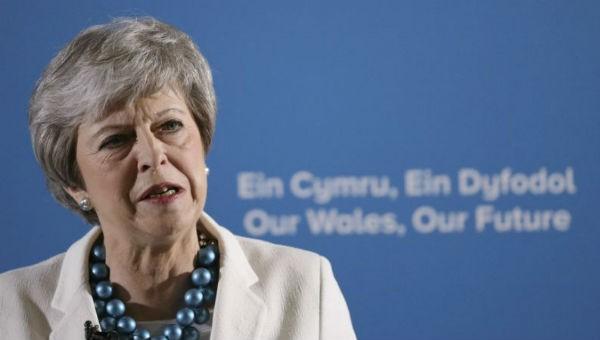 Anh xác nhận chưa thể sớm rời EU, còn tham gia bầu cử Nghị viện châu Âu
