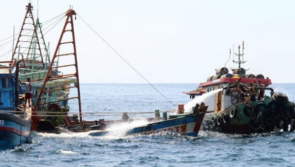 Indonesia bắt giữ, tiêu hủy tàu cá Việt Nam là hành động không phù hợp