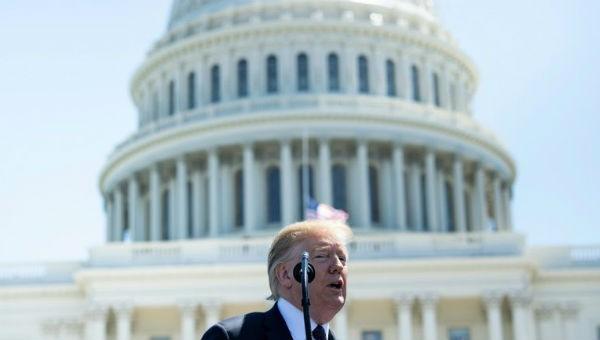 Mỹ tuyên bố tình trạng khẩn cấp, cấm công ty trong nước sử dụng thiết bị viễn thông nước ngoài