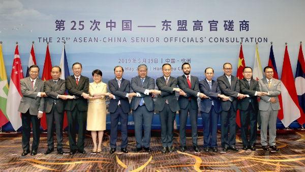 ASEAN – Trung Quốc phấn đấu mục tiêu kim ngạch thương mại hai chiều 1.000 tỷ USD