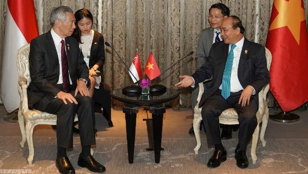 Thủ tướng Nguyễn Xuân Phúc tiếp Thủ tướng Lý Hiển Long theo đề nghị của phía Singapore