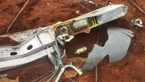 Máy bay của không quân Ấn Độ bất ngờ bị rơi bình nhiên liệu