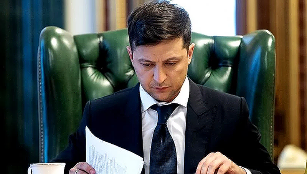 Tổng thống Ukraine lại sa thải loạt quan chức