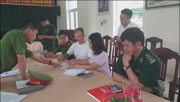 Bắt giữ một người Nga bị Interpol truy nã khi nhập cảnh vào Việt Nam