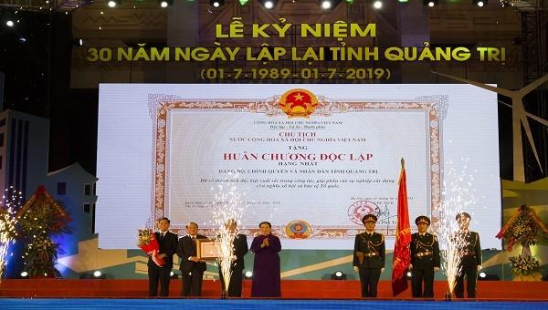 Quảng Trị đón Huân chương độc lập hạng nhất dịp kỷ niệm 30 năm thành lập tỉnh