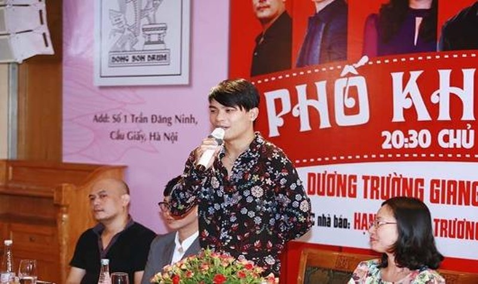 """Dương Trường Giang thả mình với """"Phố không mùa"""""""