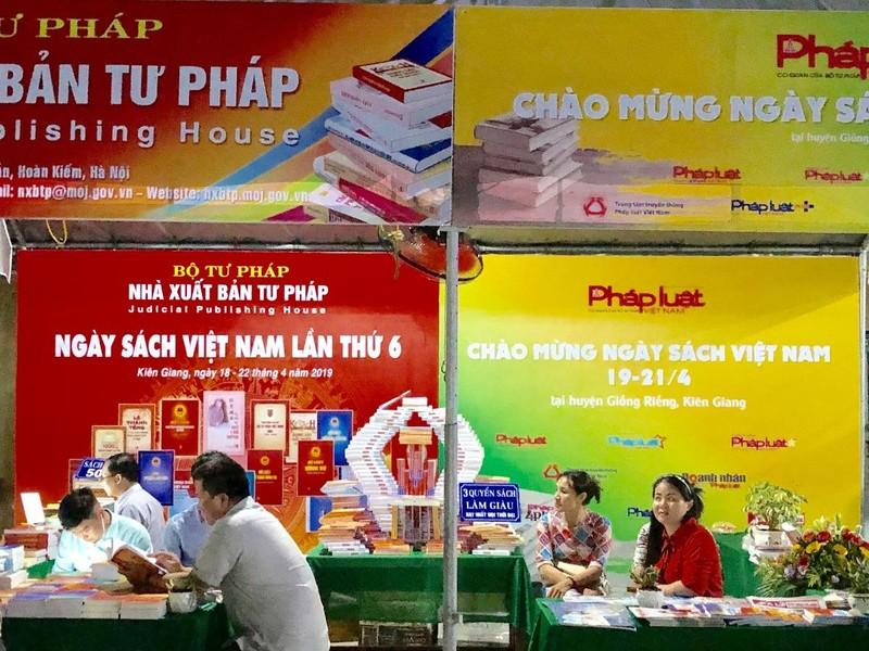 Nhiều hoạt động thiện nguyện xã hội trong Lễ khai mạc Ngày Sách Việt Nam tỉnh Kiên Giang 2019