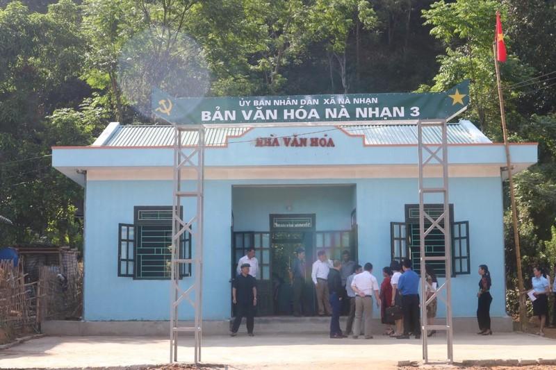 Báo Pháp Luật Việt Nam trao tặng 2 Nhà văn hóa cho người dân Điện Biên