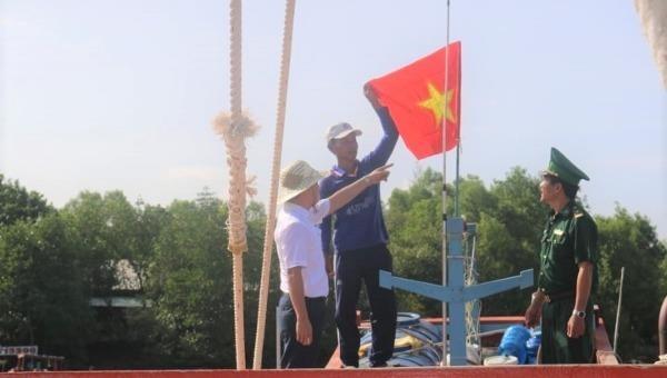 """Báo Pháp luật Việt Nam """"Chung tay xóa nghèo pháp luật"""" về với Kiên Giang"""