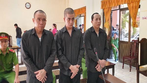 Đi giải quyết mâu thuẫn cho người khác, 3 bị cáo lãnh 24 năm tù